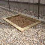 狭い庭に砂場を作る